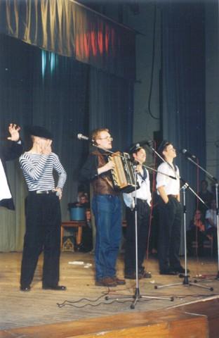 А теперь - Рома! (Грузин - Д.Шаров, Рома - И.Стахеев)(Фестиваль 2001)